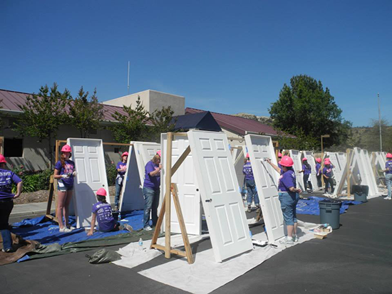 NAPW-Santa-Clarita-team-at-WE-Build-Habitat-For-Humanity---May-11-2014---pic2